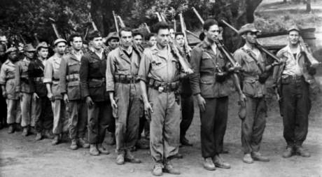 Combattants de l'Armée de Libération Nationale (ALN) prise dans les années 1950 en Algérie. AFP/STF