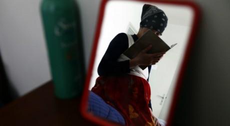 Aïda, une femme enceinte à Annaba en Algérie le 3 mars 2010. Reuters/Zohra Bensemra