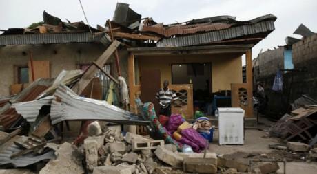 Une maison détruite après les explosions du 5 mars à Brazzaville. © Stringer/Reuters