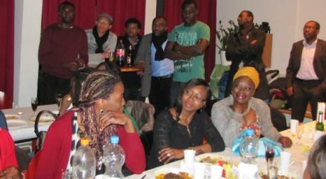 Des Camerounais de Cologne, lors d'une soirée de leur association. © Cécile Leclerc, tous droits réservés.