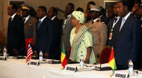 Chefs d'Etats ouest africains lors du sommet extraordinaire de la Cédéao, Abidjan, 27 mars 2012 REUTERS/Thierry Gouegnon