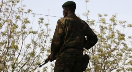 Un militaire malien à Kati, près de Bamako. REUTERS/Luc Gnago
