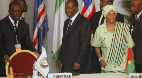 Alassane Ouattara, au sommet extraordinaire de la Cédéao convoqué par lui, Abidjan, 27 mars 2012, REUTERS/Thierry Gouegnon