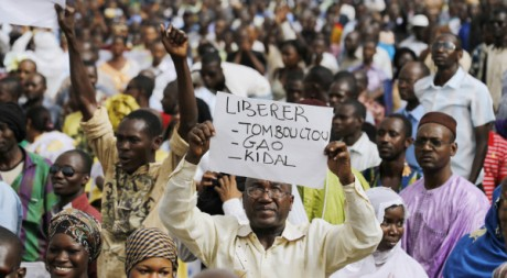 Manifestation contre la prise des principales viles du Nord-mali, Bamako, avril 2012 © REUTERS/Joe Penney