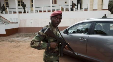 Q.G de l'armée à Bissau, le 19 mars 2012. REUTERS/Joe Penney