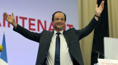 Le candidat socialiste François Hollande dans son fief après le premier tour, 22 avril 2012, Tulle. REUTERS/Regis Duvignau