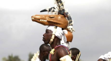 Lors du festival annuel vaudou de Quidah, 10 janvier 2010, Bénin. REUTERS/Akintunde Akinleye