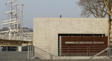 Le mémorial de l'abolition de l'esclavage à Nantes, le 25 mars 2012. Stephane Mahe / Reuters