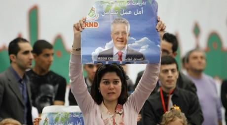 Supportrice de Seddik Chihab, candidat du RND, à Alger le 5 mai 2012 àReuters/Louafi Larbi