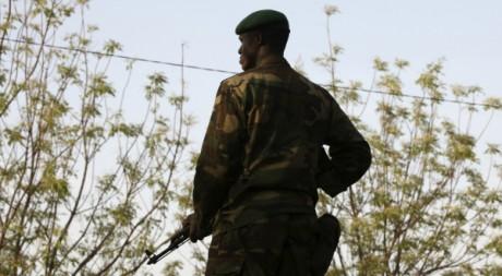 Un soldat malien le 4 mars 2012. REUTERS/ Luc Gnago