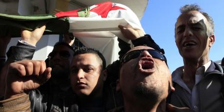 La jeunesse algérienne, très touchée par le chômage, s'est abstenue en masse lors des élections, REUTERS/Zohra Bensemra
