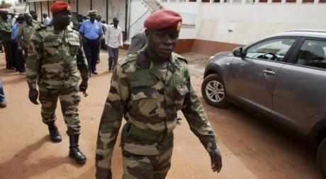 Des militaires à Bissau le 19 mars 2012. REUTERS / Joe Penney