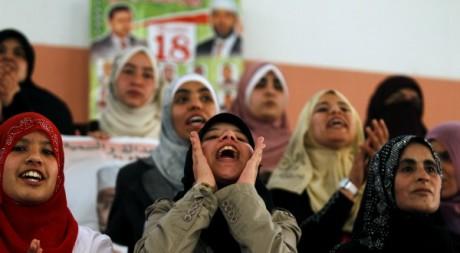 Des supportrices du parti islamiste de la Justice et du Développement lors d'un meeting le 6 mai 2012. Reuters/Zohra Bensemra