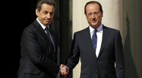 Cérémoine de passation des pouvoirs entre Nicolas Sarkozy et François Hollande, Elysée, 15 mai 2012 REUTERS/Benoit Tessier