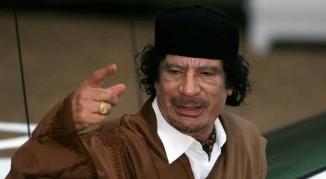 Visite au Palais de l'Elysée de Mouammar Kadhafi, 10 décembre 2007, Paris. REUTERS/Jacky Naegelen