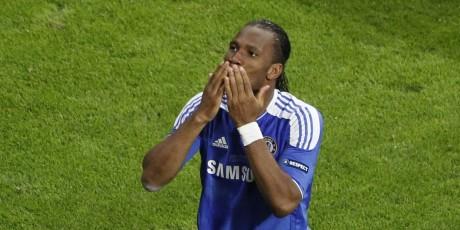 Maintenant qu'il a remporté la Ligue des champions avec Chelsea, Drogba peut songer à l'avenir, REUTERS/Michaela Rehle