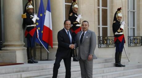 François Hollande accueille Mohammed VI au palais de l'Elysée, à Paris. REUTERS/John Schults