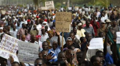 Les habitants du nord du Mali lors d'une marche à Bamako contre la division du pays, 10 avril 2012 REUTERS/Joe Penney