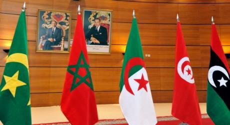 Les drapeaux des 5 pays de l'Union du Maghreb arabe: Libye, Tunisie, Algérie, Maroc et Mauritanie. AFP PHOTO/ABDELHAK SENNA
