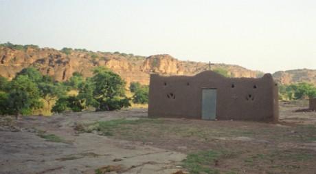 Une église à Begnimatou, dans le pays Dogon, 19 mars 2005 © Upyernoz/flickr