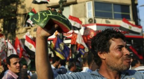 Un manifestant qui s'oppose à un retour de l'ancien régime,  le 19 juin 2012.  au Caire le Amr Dalsh / Reuters