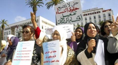 Marche en faveur des droits des femmes de l'association Solidarité Féminine à Rabat, le 20 février 2012. Reuters/Y.Boudlal