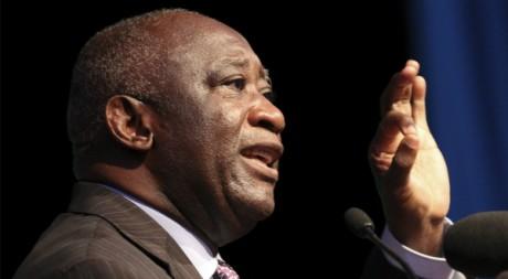 Laurent Gbagbo lors de son annonce officielle de candidature à la présidentielle, 09/10/2010, Abidjan, REUTERS/Luc Gnago