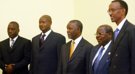L'ancien président sud-africain Thabo Mbeki accueille ses homologues des Grands lacs, 09/04/2003, REUTERS/Mike Hutchings