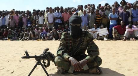 Membre des shebabs, Elasha, sud de Mogadiscio, 13/02/2012, REUTERS/Feisal Omar