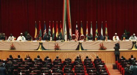 Dirigeants des pays membres de la Cédéao à un sommet à Yamoussoukro, Côte d'Ivoire, 29/06/2012, REUTERS/Thierry Gouegnon