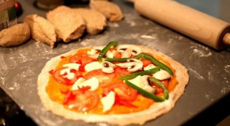 pizza à la tomate et au poivron via Flickr by thms.nl