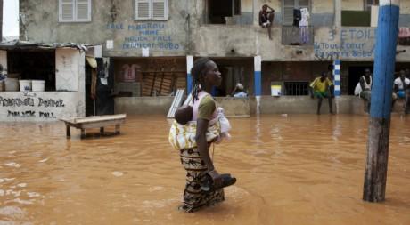 Scène d'inondation à Dakar, Sénégal, 14 août 2012, REUTERS/Joe Penney