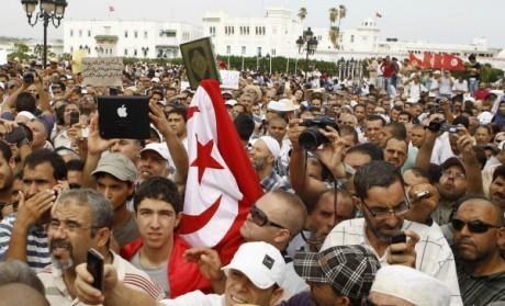 Manifestation en faveur du parti Ennahdah à Tunis, le 31 août 2012. REUTERS/Zoubeir Souissi