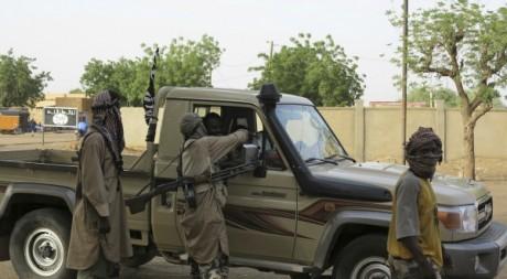 Des militants du groupe armé islamiste Mujao dans le Nord-Mali le 10 septembre 2012. REUTERS