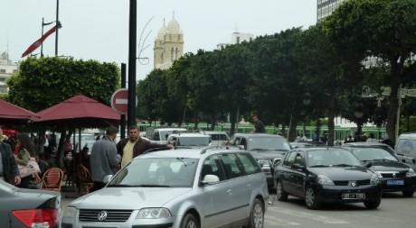 Avenue Habib Bourguiba de Tunis, by Tab59 via Flickr CC.