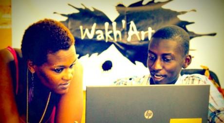 Ken Aicha Sy, dans les locaux de Wakh'Art © DR