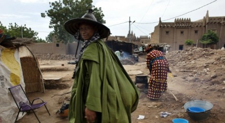 Des Maliens un journ de marché à Djenne, septembre 2012. ©REUTERS/Joe Penney