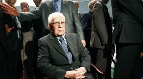 L'ancien président algérien Chadli Bendjedid, lors d'un congrès du FLN à Alger, mars 2010. © REUTERS/Louafi Larbi