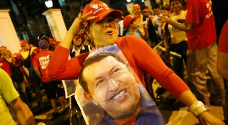 Supportrice d'Hugo Chavez le 8 octobre 2012 lors de sa réelection. Reuters/Jorge Silva