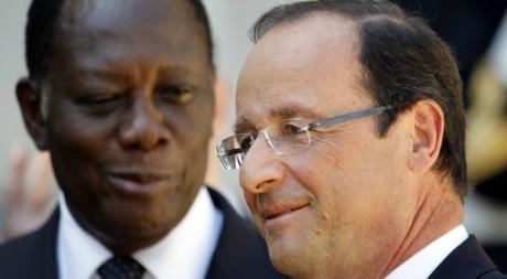 François Hollande et Alassane Ouattara, le 26 juillet 2012 à Paris. REUTERS/Charles Platiau