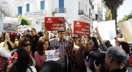 Journalistes tunisiens en grève, Tunis, 17 octobre 2012. © REUTERS/Zoubeir Souissi
