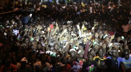 Des Ivoiriens lors d'un concenrt en faveur de la réconciliation, Abidjan, 4 novemebre 2012. © REUTERS/Thierry Gouegnon