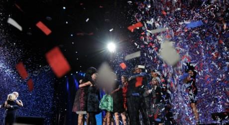 Barack Obama et ses proches célébrant la victoire, 7 novembre 2012, Chicago. © JEWEL SAMAD / AFP