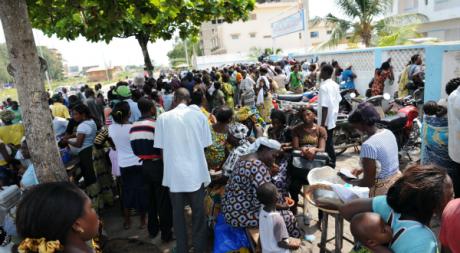 Des Béninois lors de la présidentielle de 2011, mars 2011. © PIUS UTOMI EKPEI / AFP