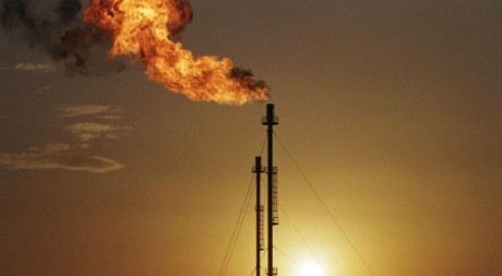 Usine à gaz en Algérie le 25 février 2000. Reuters.
