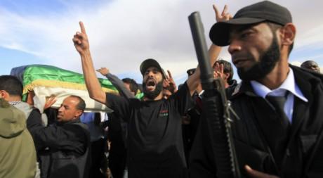 Les funérailles du colonel Farag al-Dersi, chef de la sécurité libyenne, le 21 novembre 2012 à Benghazi. REUTERS/Esam Al-Fetori