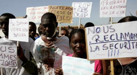 Des étudiants africains manifestent à Rabat contre le racisme, le 19 juillet 2007. AFP/Abelhak Senna
