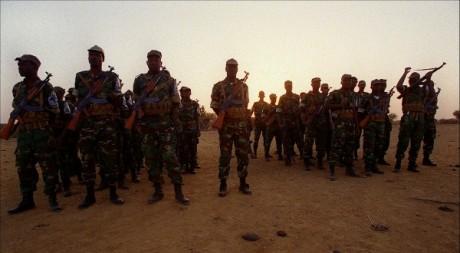 L'armée malienne à Kidira au Sénégal, le 27 février 1998. AFP/THOMAS COEX