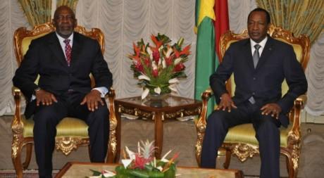Blaise Compaoré et Cheick Modibo Diarra, le 25 mai 2012 à Ouagadougou, photo AFP d' Ahmed Ouoba