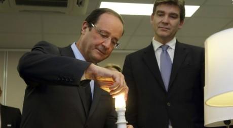 François Hollande et Arnaud Montebourg, son ministre du Redressement productif, Paris, novembre 2012.   REUTERS/Philippe Wojazer